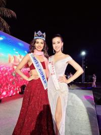 Đỗ Mỹ Linh rạng rỡ về nước cùng gia đình sau khi đoạt giải Hoa hậu nhân ái