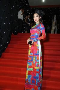 Cả showbiz lộng lẫy đi xem show NTK Nguyễn Công Trí