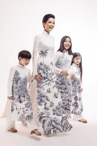 Hoa hậu H'Hen Niê trở lại với tóc ngắn, hóa cô giáo trường làng