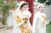 Bóc giá bộ áo dài phượng hoàng được đính bằng tơ vàng của Lan Khuê trong lễ đính hôn