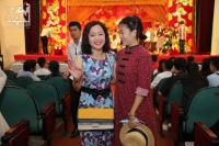 Mai Phương rạng rỡ hội ngộ đồng nghiệp trong lễ giỗ Tổ nghề sân khấu