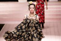 Lần đầu tiên Milan Fashion Week quy tụ 'tứ đại mỹ nhân' châu Á catwalk trên cùng 1 sàn runway
