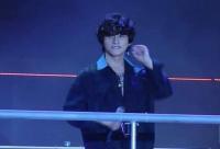 Hết nghi vấn 'đạo nhái' kiểu tóc sao Hoa ngữ, Sơn Tùng lại 'đụng độ' kiểu tóc với Song Joong Ki