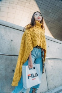 Hết xuất hiện trên Vogue, Thiên Nga The Face khoe ảnh ngồi hàng đầu xem show ở Seoul Fashion Week