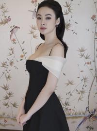 Angela Phương Trinh đẹp 'đốn tim' với loạt thiết kế mới của NTK Công Trí