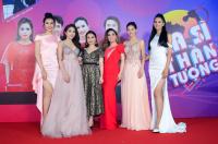 Hoa hậu Trần Tiểu Vy khoe nhan sắc ngọt ngào bên Người đẹp Nhân Ái Thùy Tiên