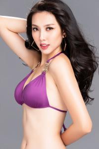 Nguyễn Thúc Thùy Tiên khoe đường cong nóng bỏng trước ngày lên đường thi Miss International