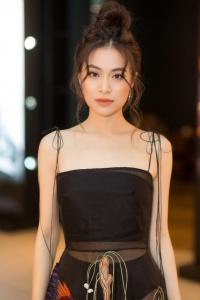 Thêm một sao Việt là fan của Kpop: Hoàng Thuỳ Linh lắc lư theo nhạc của Jennie BLACK PINK