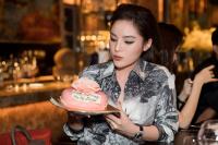 Diệp Lâm Anh tái xuất sau 2 tuần sinh con, đẹp rạng ngời đến chúc mừng sinh nhật Kỳ Duyên