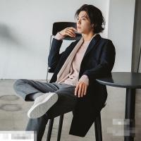 Mái tóc bổ luống giống 'bà thím' của Park Bo Gum lại khiến fan tình nguyện 'đổ gục'