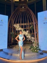 Hoa hậu Trần Tiểu Vy lại được BTC Miss World để mắt nhờ diện váy xanh 'thần thánh'