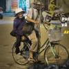 """Phận già bán vé số Sài Gòn và nghĩa tình giữa những người """"ở trọ trần gian"""""""