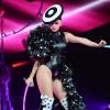 Sau Rihanna, đến lượt Katy Perry diện đồ của NTK Công trí trong tour diễn mới