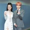 Đông Nhi cúi chào, thân thiện bắt tay cùng Taeyeon(SNSD)và Leeteuk (Super Junior)