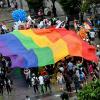 Cộng đồng LGBT Sài Gòn diễu hành rầm rộ trên phố đi bộ Nguyễn Huệ