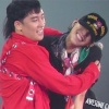 """Bất ngờ xuất hiện trên sân khấu, Seungri khiến G-Dragon cười """"tươi không cần tưới"""""""