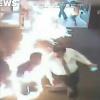 Clip: Vị khách đến ngân hàng rồi... tự châm lửa đốt chính mình vì một lý do