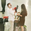 Vy Oanh lần đầu công khai chồng đại gia, đưa hai con về nước thăm mẹ ốm
