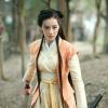 """Địch Lệ Nhật Ba """"đối đầu"""" Quan Hiểu Đồng sau chuyện tình cảm với Luhan?"""