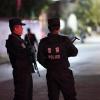 Đang tưng bừng tiệc tùng, các thiên thần Victoria's Secret bị cảnh sát ập vào kiểm tra