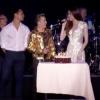 Clip: Phản ứng của Hồ Ngọc Hà khi Kim Lý mang bánh lên sân khấu mừng sinh nhật