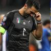 Thế giới bóng đá khóc cho nỗi đau của Buffon