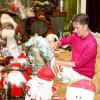 Sau một năm lỡ hẹn, Đàm Vĩnh Hưng trang trí Noel hoàng tráng cho biệt thự triệu đô