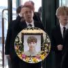 Clip: BTS, EXO, SNSD, BoA cùng các đồng nghiệp buồn bã đến viếng đám tang của Jonghyun