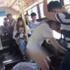 Người đàn ông kéo tụt cả váy cô gái trên xe buýt chỉ vì... ngủ gật