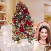 Hoa hậu Phạm Hương tất bật trang trí Giáng sinh cho căn hộ tiền tỉ