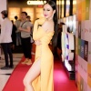 Angela Phương Trinh diện váy xẻ hông táo bạo, khoe dáng tình tứ bên Hữu Vi