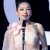 Hát live dở, chênh phô, Chi Pu vẫn nhận giải Ca sĩ đột phá của năm