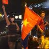Lần đầu tiên trong lịch sử, cả showbiz Việt kéo nhau