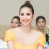 Lăng-xê kiểu tóc mới, Phạm Hương đẹp