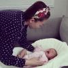 Học theo cách dỗ trẻ nín trên mạng, Tóc Tiên khiến các mẹ bỉm sữa bất ngờ vì quá hiệu nghiệm