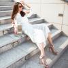 Siêu mẫu Thanh Hằng xuống phố đầu năm với loạt váy áo sành điệu