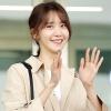 Cùng đụng độ tại sân bay, Yoona xinh như gái 20 ăn đứt cả đàn em Twice và KyulKyung (Pristin)