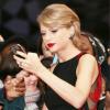 Taylor Swift lặng lẽ nghe Fake Love của BTS để biết người phá kỷ lục của mình là ai?