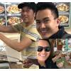 Hoài Linh sang Mỹ thăm bố mẹ và đi ăn cùng cậu con trai hot boy
