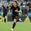 Argentina thảm bại trước Croatia, Messi và các đồng đội cúi mặt chuẩn bị rời World Cup 2018