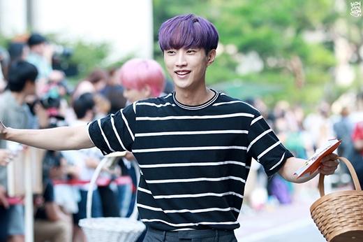 Muôn kiểu xuất hiện đặc biệt trước mặt fan của các idol Kpop