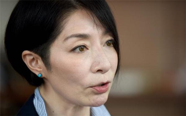 Ảnh chụp cựu diễn viên - tác gia Mariko Kawana đang trả lời phỏng vấn với AFP ở Tokyo.