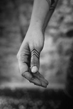 Những gợi ý hình xăm ngón tay cực chất bạn nhất định không thể bỏ lỡ