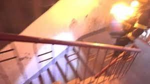 Hãy chạy xuống nếu gặp đám cháy trong tòa nhà cao ốc.(Ảnh minh họa - Nguồn: Internet)