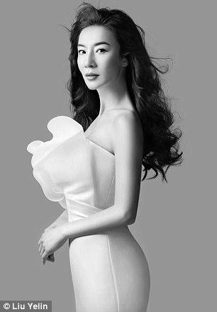 ...và Liu hiện tại (49 tuổi)?