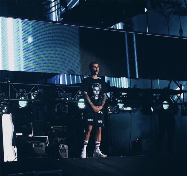 Bị fan yêu cầu hát Despacito, Justin Bieber từ chối với lý do khó đỡ