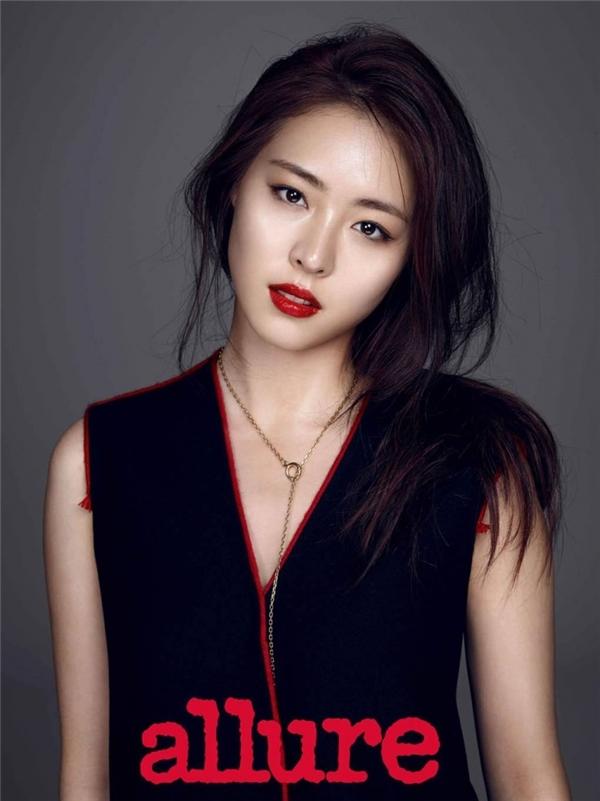Nữ diễn viên Lee Yeon Hee - một trong những nữ thần sắc đẹp hàng đầu của SM Entertainment.