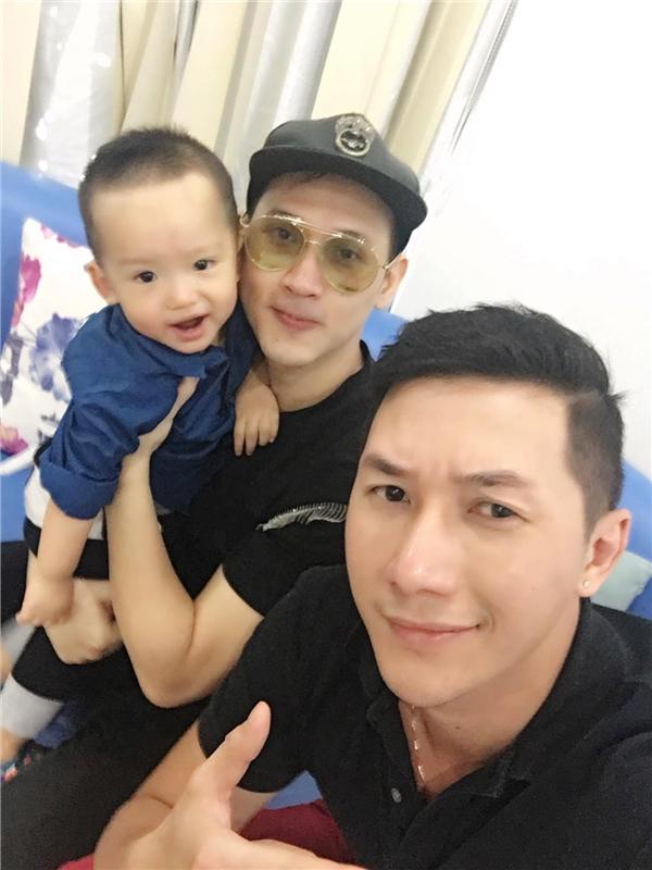 Nguyên Vũ - Nam Phong đã đưa con trai Phi Thanh Vân đến đón mẹvề nhà. - Tin sao Viet - Tin tuc sao Viet - Scandal sao Viet - Tin tuc cua Sao - Tin cua Sao
