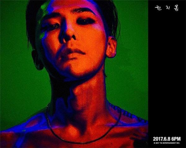 Kwon Ji Yong của G-Dragon là album dẫn đầu bảng xếp hạng.