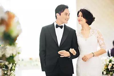 Người đẹp có cuộc hôn nhân hạnh phúc với tài tử Trương Trí Lâm.
